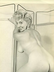 Vintage blonde naked women posing pictures