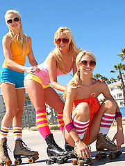 Awesome hot booty shorts teens skate long the boardwalk before dildo fucking their hot juice boxes in these amazing lesbo 3some vids