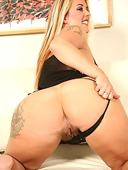Sexy chubby blonde with big round ass
