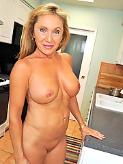 Anilos housewife Luna rewards her fiery pussy with a fully charged vibrator after baking cookies