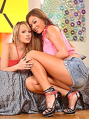 Young Blue Angel & Natalia have foot fetish lesbian sex