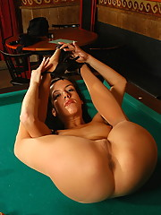 Flexible Trinity enjoy a round pool billard