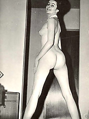Beautiful vintage ladies posing nude pictures