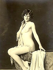 Artistic vintage nude hairy girls pictures