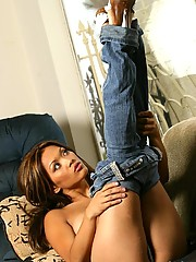 Krya strips off her sexy blue bra and jeans