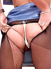 Amy fingering herself through her panties