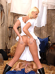 Blonde babe Simony Diamond gets her ass fucked in a barn