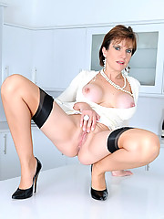 Stunning mature british trophy wife