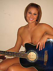Nude guitar lessons