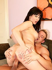 Alluring Milf Carrie Ann Takes Fat Cock Up Her Juicy Gash