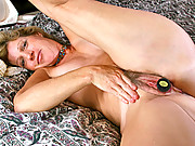 Anilos Rosetta stuffs her hairy fuck box with a toy