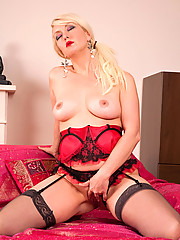 Horny Anilos Yolanda wanks her pink pussy using her favorite rabbit toy on her bed
