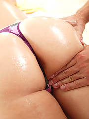 Slutty girl getting fucked by the dirty masseuse!
