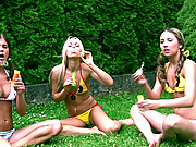 3 teens showing their 18yo pink pussies outdoors