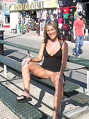 Fit and hot chick exposes naughty bits in public