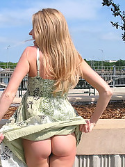 Southern Belle uncovers her body in public places