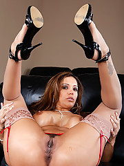 Francesca calls the young stud that installed her home theater system to fix a glitch and  knowing very well he would not be able to resist her cougar dick sucking skills.