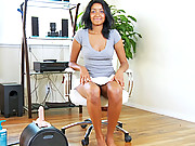 Jazmin Ryder slides her black pussy down on the sybian cock