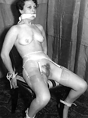Vintage girls doing bondage porn with ropes