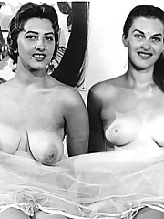 Two very sexy and vintage girls posing naked