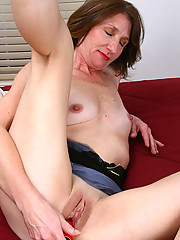 Horny Anilos Kimberly fucks her pink pussy and proudly flaunts her curvy body indoors