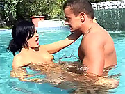 Very horny chick shagging in the public pool