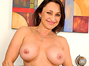 Jillian Foxxx can barely control herself as she has an orgasm at Anilos