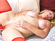 Thick blonde cougar brings her pussy to orgasm with a toy