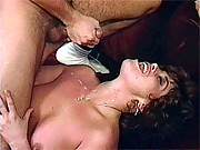 Vintage babe jizzed by guy on her cute face