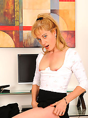 Bored secretary finds stuff inside the office to stuff inside her lonesome pussy