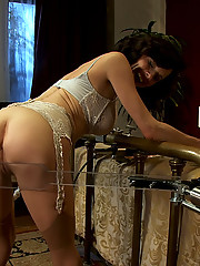 Pin-up beauty and squirting MILF Veronica Avluv is fucked by custom machines until she squirts and writhes in post-orgasmic bliss