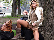 Old dude porking a young chick in the park