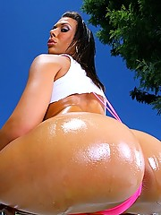 Super hot monster plump ass rachel starr gets her amazing body drilled hard in her skimpy work out booty short hot outdoor fucking pics