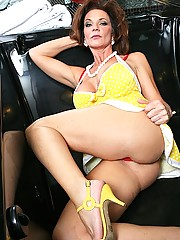 Sexy milf get anally fucked