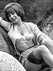 Vintage sexy classic girls posing outdoors