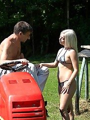 Old guy on lawnmower fucks a hot bikini babe