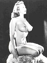 Very hot busty vintage babe from the fifties