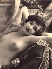 Cute hairy vintage chicks from the twenties
