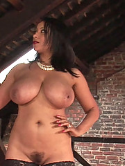 Naked curvy ebony mature dominatrix