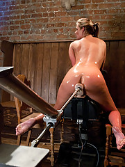 Phoenix Marie ass fucked by high power machines. She takes a pussy pounding from a 75lb machine thrusting in her.