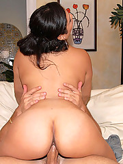 Big round tits latinag picked up at the bar gets super fucked in these hot reality pics