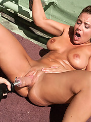 Beverly Hills machine fucked in the sun with oil on her skin, machines in her pussy. She does a DP, squirts over and on the cocks WHILE they fuck her.