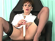 British milf masturbating to orgasm