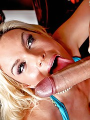 Tonight Diamond Foxxx is on the prowl anxious for some large young cock. She immediately pounces on her date when he arrives. Shocked to the aggressiveness Billy excuses himself to the bathroom to try and calm down but ends up getting his dick caught in h