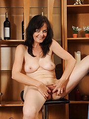 Classy Anilos Renie shows off her milf pussy and tight asshole