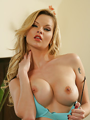 Tarra White is looking for her purse and her best friend