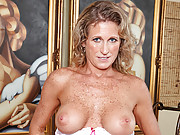 Beautiful Anilos Jade fingers her wet milf pussy from behind