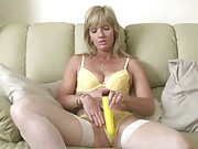 MILF Jill satisfies herself with her huge toy