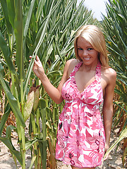 Nude and naughty in the cornfield
