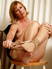 Beautiful 42 year old Cheyanne looking hot as ever in sexy pantyhose